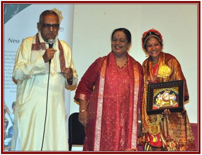 "Uma Receiving ""Bharat Kalai Mani"" Award"